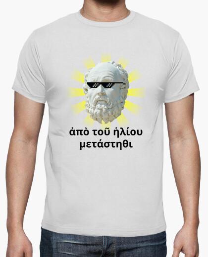 Camiseta clara - Diógenes a Alejandro Magno