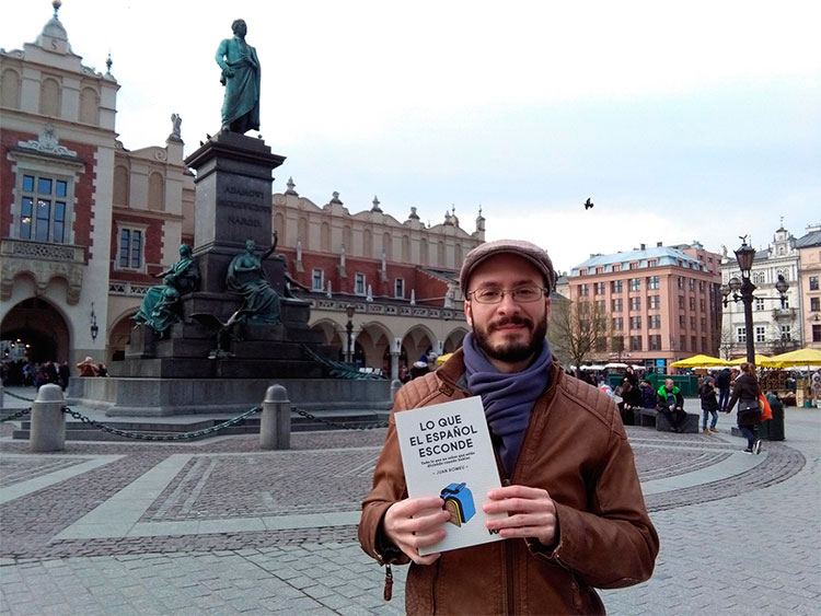 Javier Álvarez con 'Lo que el español esconde' en Cracovia